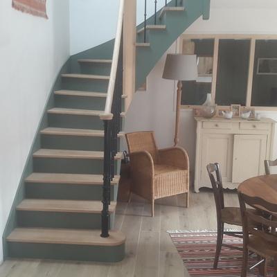 Escalier bois à Plevenon