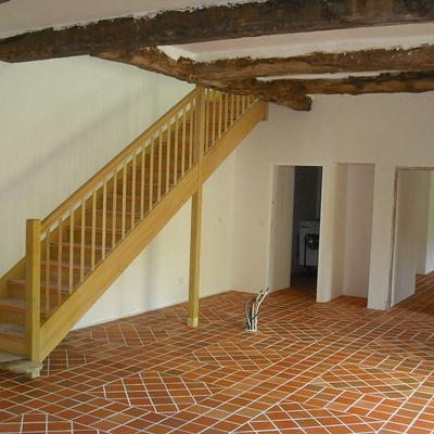 Escalier traditionnel bois exotique
