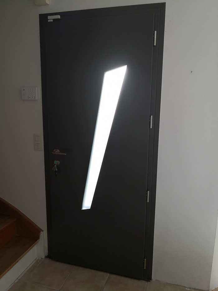 Porte d''entrée aluminium à Matignon img20200221153129