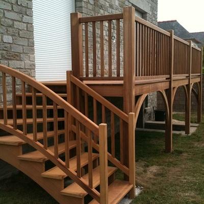 Escalier extérieur et terrasse bois
