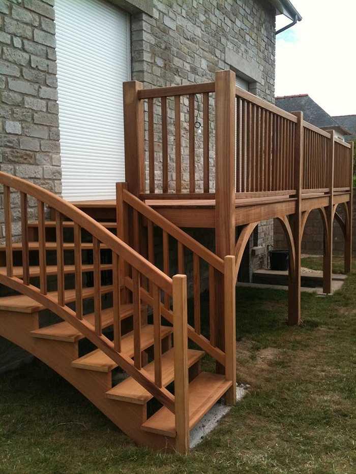 Escalier extérieur et terrasse bois 0