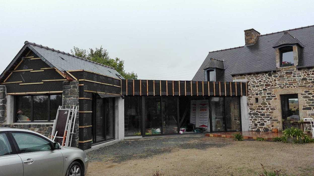 Extension en bois d''une maison d''habitation en pierre - Pléboulle 1437211611060933461240961929979899554577564o