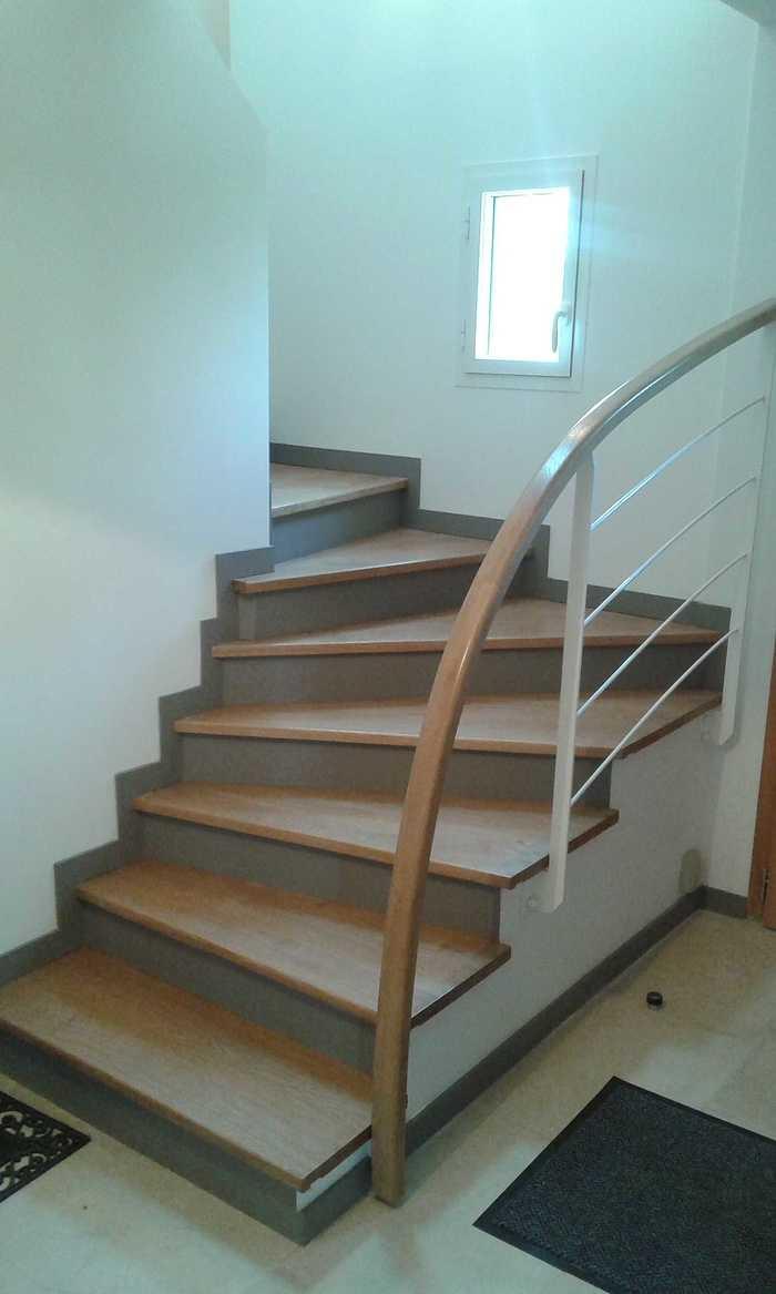 Marches chêne sur escalier béton e5-3