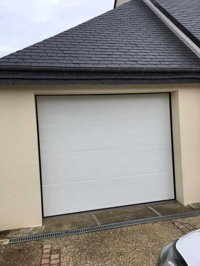 Pose d''une porte de garage et d''un portail à Saint cast img1139