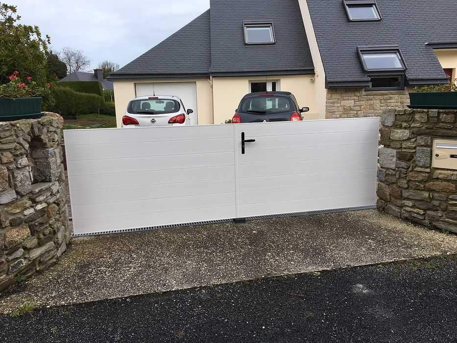 Pose d''une porte de garage et d''un portail à Saint cast 0