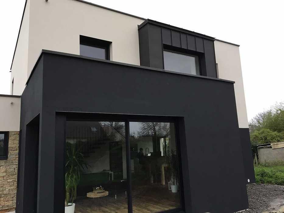Pose de menuiseries sur une maison d''habitation à Quevert img3096