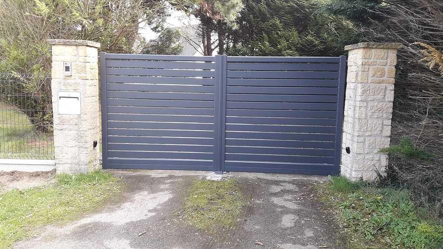 Pose d''un portail électrique en aluminium à Fréhel 20190322145659