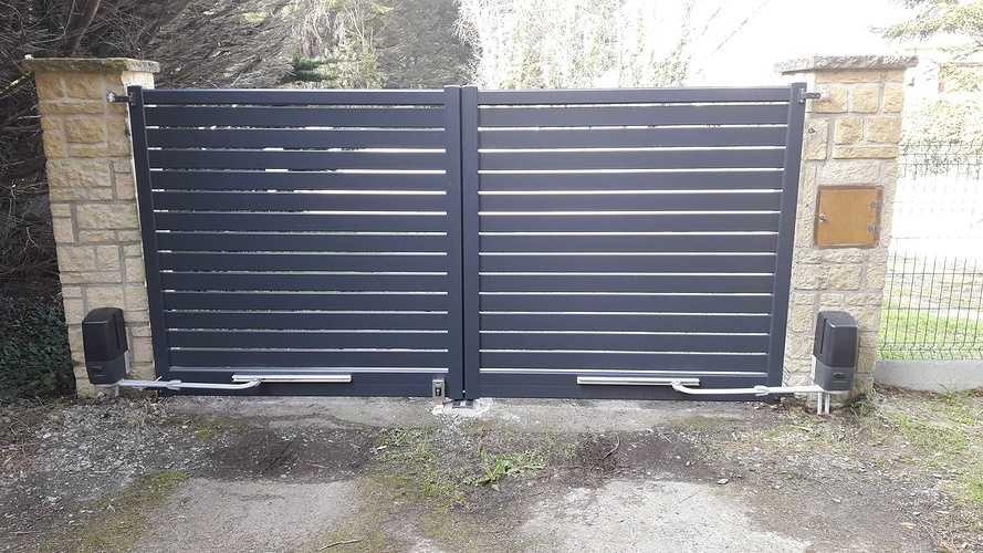 Pose d''un portail électrique en aluminium à Fréhel 20190322151425