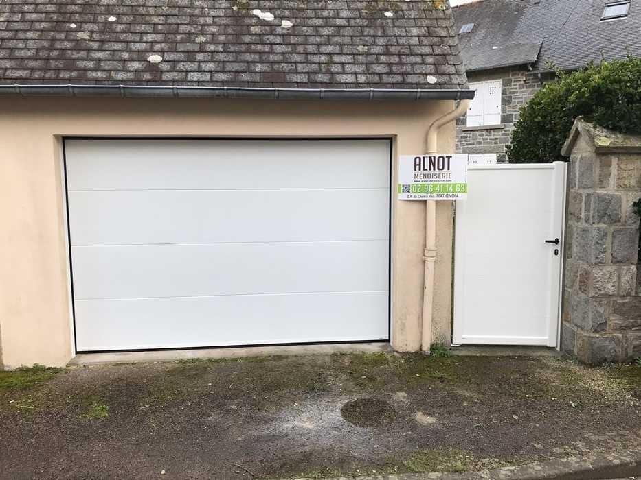 Porte de garage à Saint Cast le Guildo 0